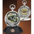 """Часы """"Harley Davidson"""" с подставкой и чехлом на пояс"""
