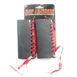Рукоятки руля с красной шнуровкой
