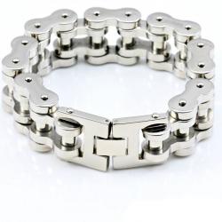 Массивный байкерский браслет в виде мотоциклетной цепи