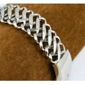 Широкий стальной браслет