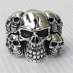 Серебряный перстень с черепами