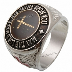 Массивный стальной перстень