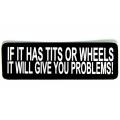 """Виниловый стикер на шлем/мотоцикл """"Если у чего-нибудь есть сиськи..."""""""